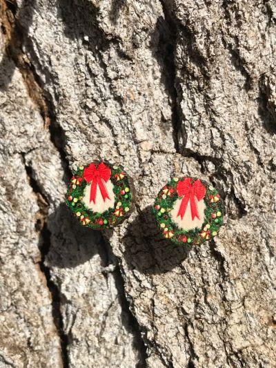christmas wreath stud earrings